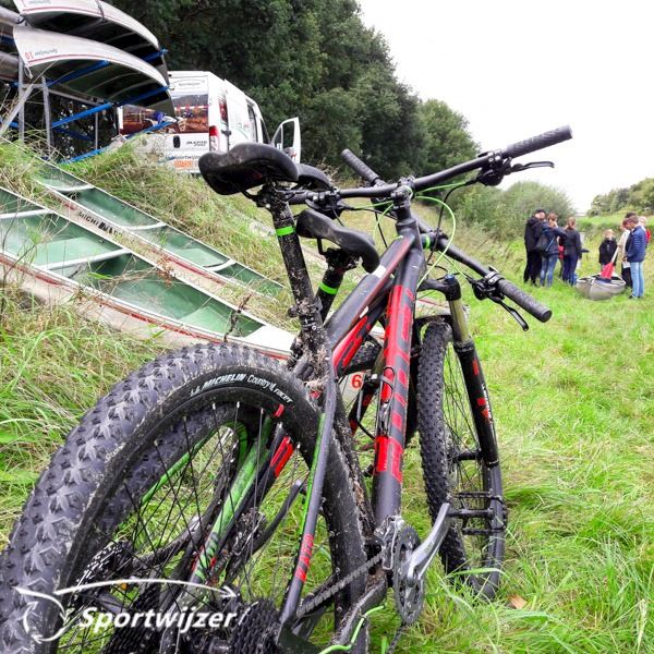 Combi-deal mountainbiken en kanovaren
